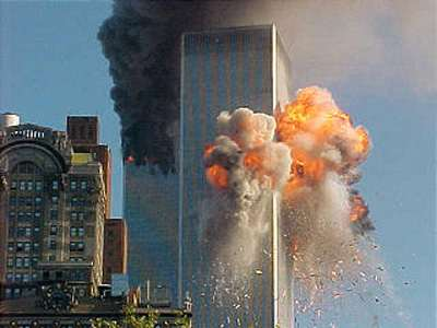 9-11-plane-crash-twin-towers-new-york-2.jpg
